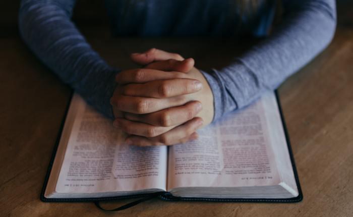 Woman-Who-Prays-Always